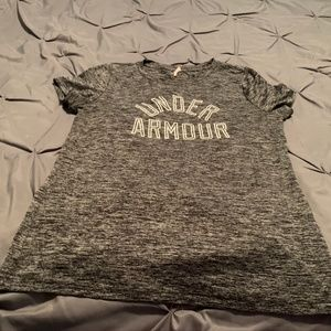 UNDER ARMOUR Women's Gray SS Shirt. Size Large